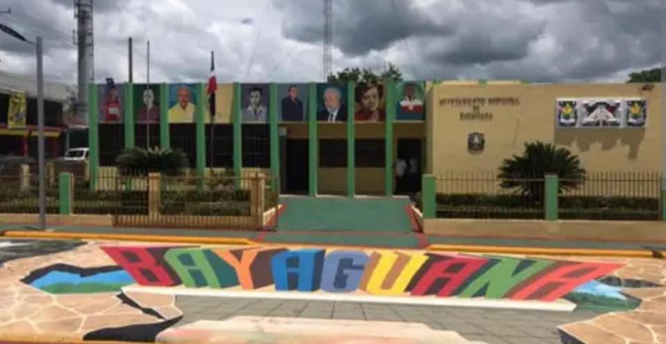 Manuel Pantalio continúa trabajando en el embellecimiento de Bayaguana ARTE Y CULTURA