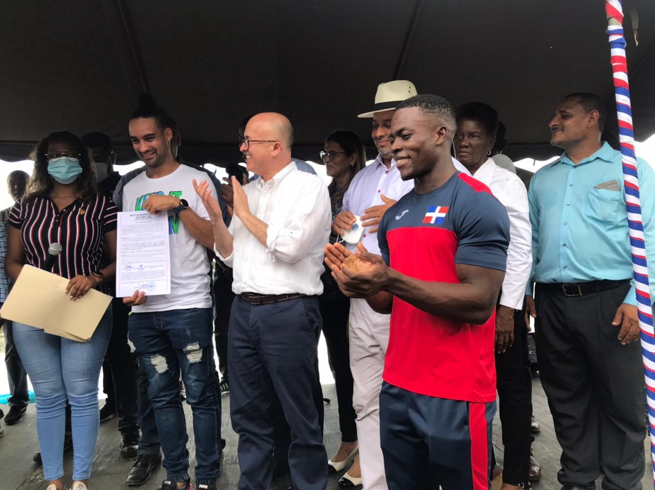 Alcalde de Bayaguana premia atletas que ganaron medallas en Juegos Olímpicos Tokio-2020